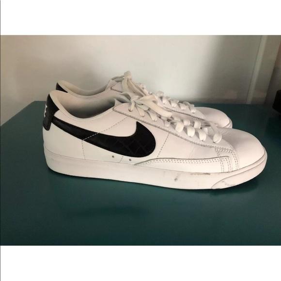 the latest 922b9 8828c Nike Blazer Low Essential Sneaker
